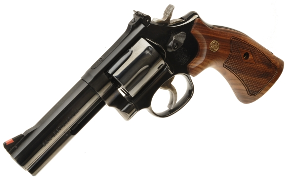 Smith & Wesson's 586 4″ Classic
