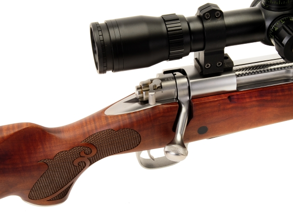 Winchester's Model 70 Featherweight Dark Maple Stainless